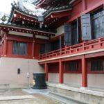 神社仏閣の拝殿・本堂の裏手が最強のパワースポットと言われる理由
